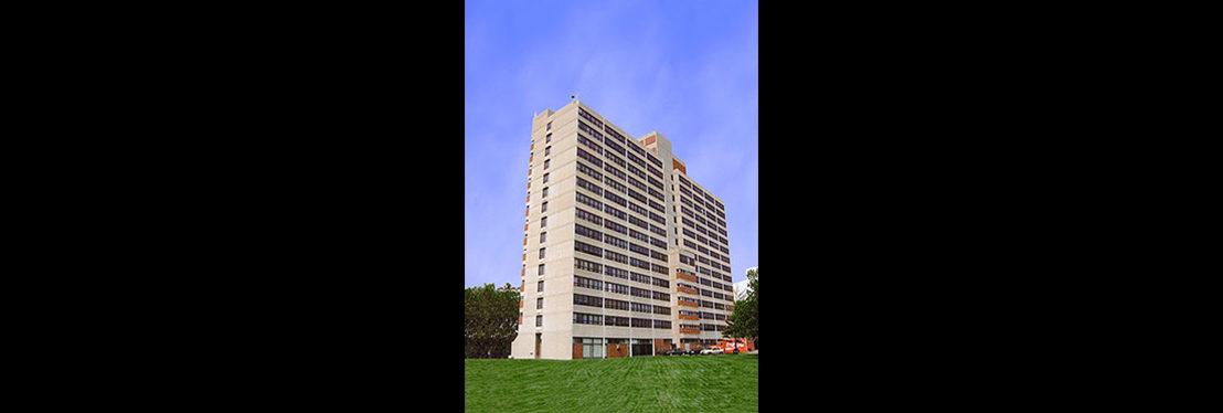 lugar tower apartments